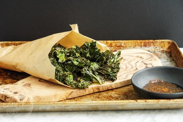 Super healthy chips alternative: Paprika and Parmesan kale chips