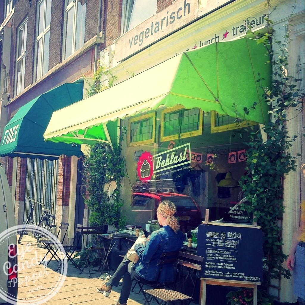 vegetarian cafe in The Hague