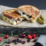 10 min gourmet grilled-cheese with roasted apples, cranberries and pecans