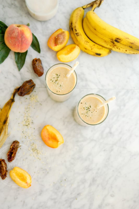 Simple peach and date smoothie