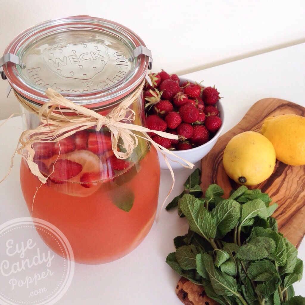 Strawberry-mint lemonade (vegan, no refined sugar)