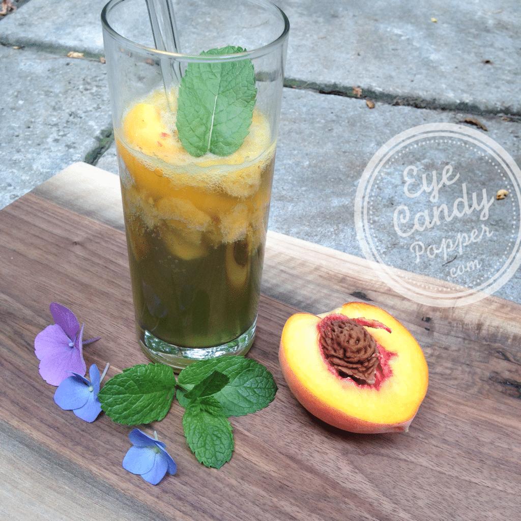 Summer healthy peach-kombucha cocktail | vegan
