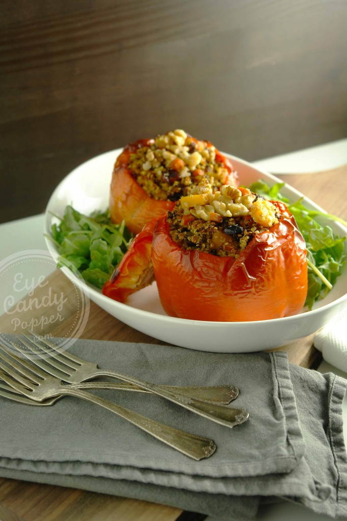 Quinoa-stuffed sweet peppers and arugula